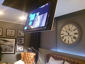 Casa FOA 2013: Dormitorio para un hombre de negocios - Walter Russo, Ximena Russo, Sol Galeano